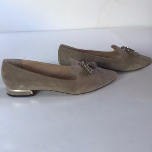 NEW VINCE CAMUTO Beige Suede Shoes 10